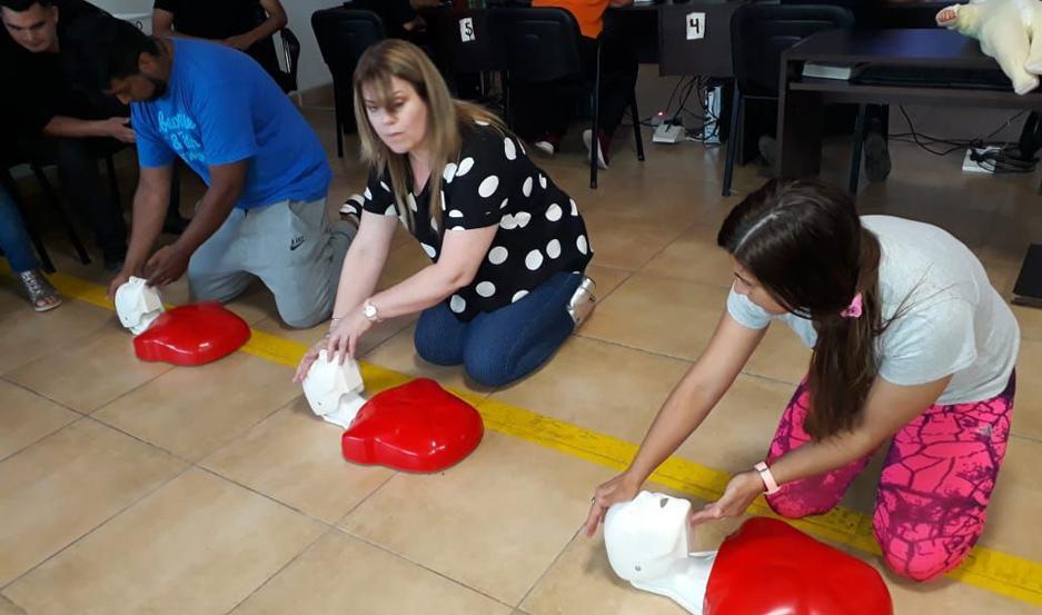 JORNADA. Estuvo a cargo de la médica emergentóloga y miembro de brigadas de rescate internacional, Dra. Gabriela Torres.