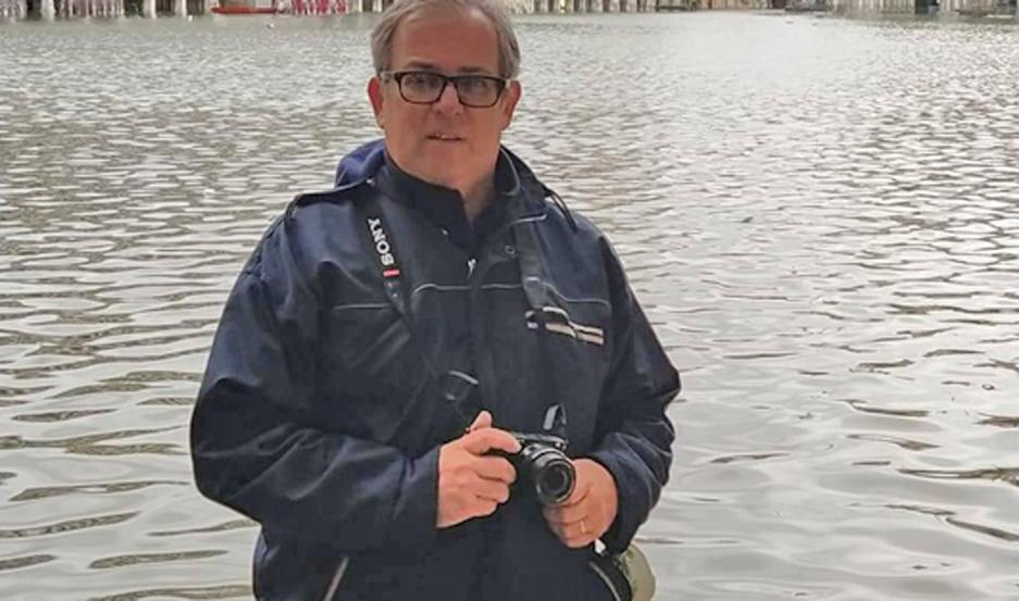 Rodolfo Gigli se encontró con la mítica Venecia bajo el agua en su visita a Italia.