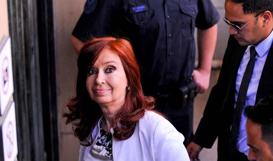 Cristina Kirchner declaró por más de 3 horas en los tribunales de Comodoro Py.