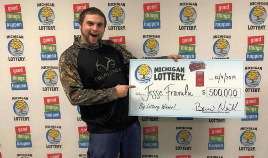 El joven Jesse Fravala de 23 años, ganó la lotería tras soñarlo varias veces.